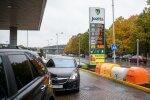 Прославившаяся очередями заправочная станция планирует работать и в Вильнюсе