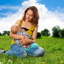 """3 metų sūnus valgo mamos pieną <span style=""""color: #ff0000;""""><sup>žindymo istorijų konkursas</sup></span>"""