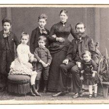 Šiandien vaikai netektų amo sužinoję, kokius darbus jų bendraamžiai dirbo prieš 100 metų