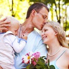 Kaip išlikti įsimylėjusiems, kai susilauki vaikų