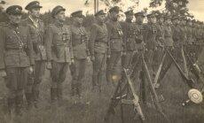 Kęstučio apygardos partizanų rikiuotė (LGGRTC Genocido aukų muziejaus nuotr.)