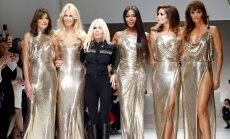 """45-metį peržengusios manekenės """"Versace"""" šou nušluostė nosį jauniems supermodeliams"""