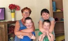 N. Oželytė su Audrone ir jos šeima