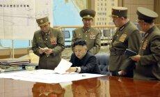 Šiaurės Korėjos lyderiui pristatomas JAV puolimo planas