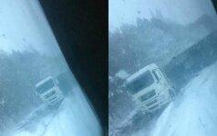 Vairuotojas įspėja: Pakruojo rajone – sudėtingos vairavimo sąlygos