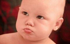 Vaikas žnaibosi: kaip tinkamai sureaguoti, kad tai nepasikartotų