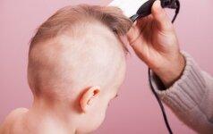 Kodėl kai kurie tėvai nuskuta savo mažiems vaikams plaukus