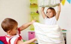 17 smagių žaidimų su vaikais namuose, kuriems tiks tai, ką turite po ranka
