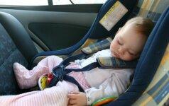 Mirtis tykojo automobilio kėdutėje: gedinti šeima perspėja kitus tėvus