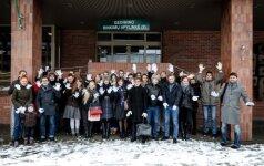 Белые перчатки: за два дня – около 40 сообщений о нарушениях на выборах