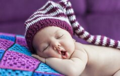 6 patarimai, kad vaikas naktį miegotų neprabusdamas