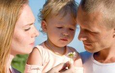 Skaitytoja: pavydėti vyrui pradėjau susilaukusi vaiko (specialisto komentaras)