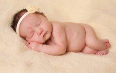 Kaip išmokyti vaiką eiti miegoti be kaprizų?