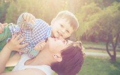 """20 gražiausių atsakymų į klausimą """"Būti mama – tai..."""