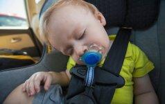 Kokias klaidas daro tėvai, veždami vaikus automobilyje