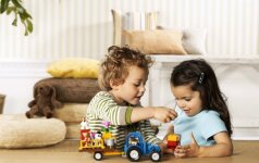 Kaip žaidžiant lavinti vaiką?
