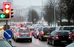 Vairuotojai, apie kuriuos nutylima: ar nereiktų jiems perlaikyti teisių?