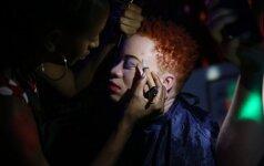 """Zimbabvėje vyko kitoks grožio konkursas: išrinkta """"Mis Albinosė"""""""