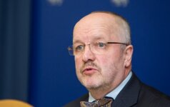 Консерваторы готовят интерпелляцию министру обороны Литвы