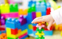 Atskleidė, kokias prekes vaikams tėvai dažniausiai perka internetu