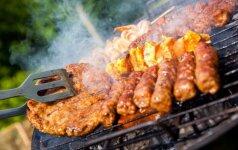 Grilio sezonas prasideda: 5 gardūs marinatų receptai ant grotelių kepamai mėsai