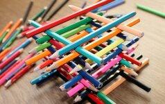 Žaidimai iš nieko: spalvoti pieštukai FOTO