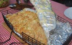 Šašlykų konkurentai – vištienos pjausneliai ant laužo