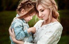 Norėdami pagerinti santykius su vaiku, šiuos 4 klausimus jam užduokite kasdien