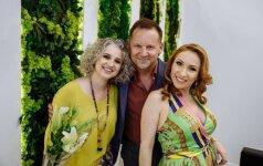 Salono įkūrėjos Viktorija (iš kairės) ir Olga su TV diktoriumi Roku Petkevičiumi.