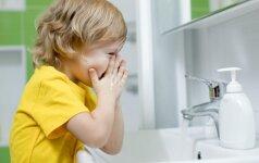 Gydytoja dermatovenerologė griauna mitus apie vieną dažniausių odos ligų