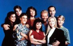"""Serialo """"Beverli Hills 90210"""" aktoriai susitiko po ilgų metų"""