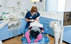 Paauglys neprižiūri savo dantų: 7 patarimai tėvams