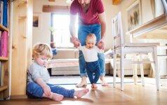 Vaikas išmoko vaikščioti: kokios dažniausios traumos jo tyko