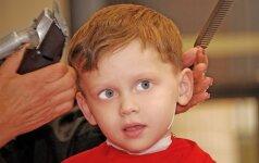 Klaidos, kurias tėvai daro prižiūrėdami vaikų plaukus