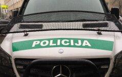 В Тракайском районе столкнулись три автомобиля, один водитель погиб