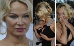 Pamela Anderson nustelbė visas aplink susirinkusias moteris