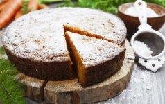 Imbierinis morkų pyragas