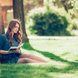 Įstok į balandžio mėnesio knygų klubą ir laimėk nuotykingas knygas!