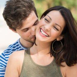 3 priežastys, kodėl vaikinai palieka bučinių mėlynes