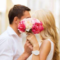 Gėlės per pirmą pasimatymą – merginos nori, bet dovanoti nereiktų?!