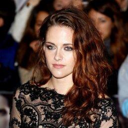 Gerbėjai nebegali žiūrėti į buvusią gražuolę - kas gi nutiko Kristen Stewart? (FOTO)