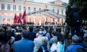 Гитанас Науседа выступил с речью на площади С.Даукантаса: отныне все будет иначе