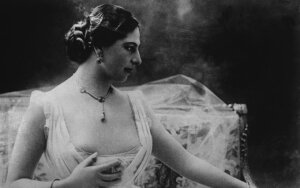 Mata Hari: skyrybos su ištvirkusiu alkoholiku atvedė į kurtizanių pasaulį