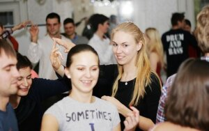 Pilyje susirinkęs jaunimas diskutavo apie kūną ir politiką