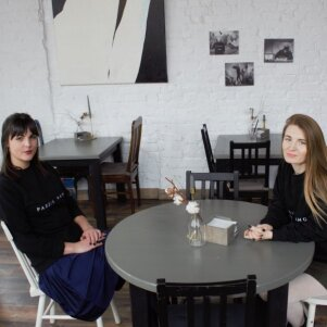Su drauge Marijampolėje įkūrė barą, kurį išgyrė pats Andrius Užkalnis