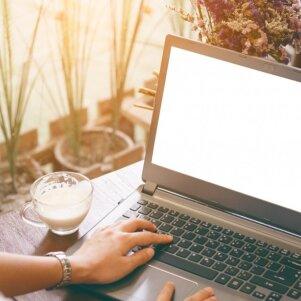 Diskutuoja ekspertai: kodėl esame linkę manyti, kad merginoms IT srityje – ne vieta?