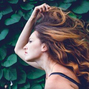 Suteik plaukams spalvą šiais ypatingais būdais