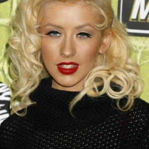 Žavingoji Christina Aguilera pasidavė kovoje su kilogramais (FOTO)
