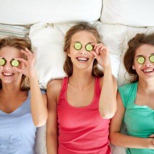 4 idėjos, kaip surengti įsimintiną SPA vakarėlį namuose su draugėmis