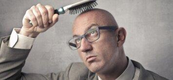 Pleiskanoja galvos oda, slenka plaukai – ką daryti?